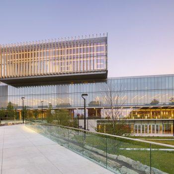 دانشگاه یورک-نمای ساختمان