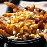 غذاهای مخصوص کانادا و مکانهایی که میتوانید آنها را امتحان کنید