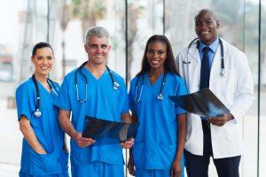 پزشکان و افراد شاغل در حیطههای پزشکی انجمن پزشکی استرالیا (AMC)
