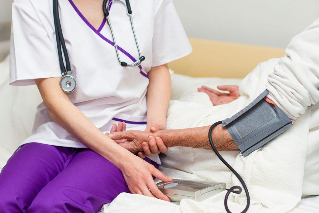 مراقبتهای بهداشتی در کشور مقصد