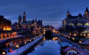 شهر تورنتو در استان انتاریو از چه ویژگیهای خاصی برخوردار است؟