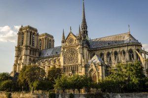 کلیسای بازیلیکای نتردام (Notre-Dame Basilica)